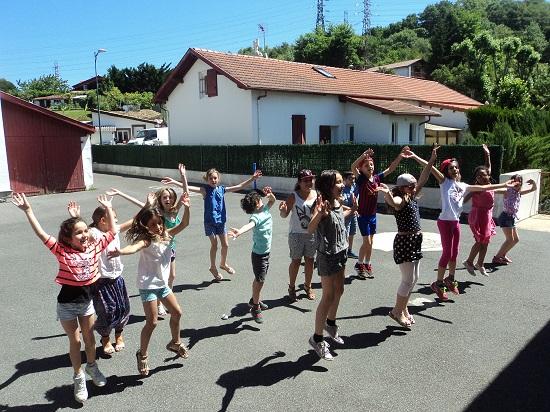 Mouguerre Jeunesse : «le périsco fait son show» à L'école du port